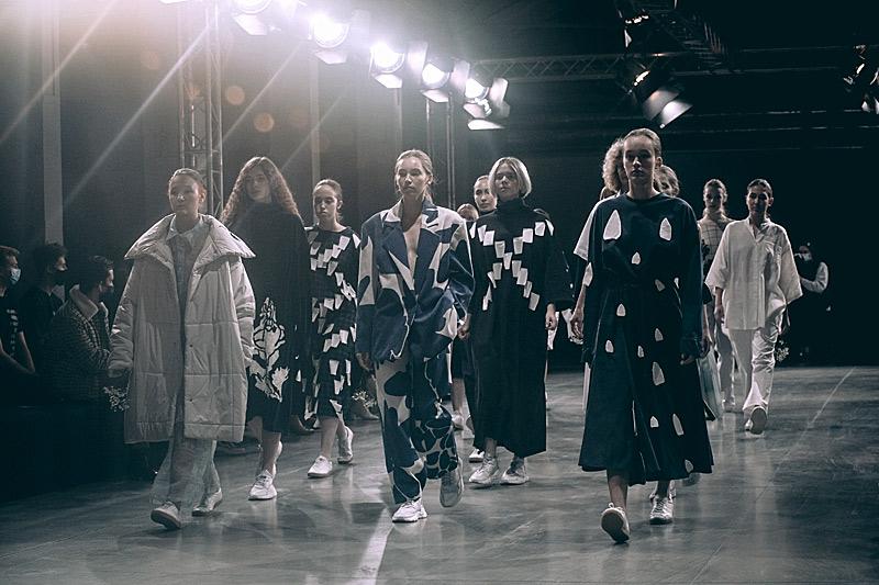 Седмицата на модата Mercedes-Benz Русия приема заявления за безплатно участие от дизайнери онлайн